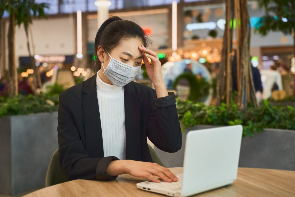 Better mental health through more internet use?  - Practice healing