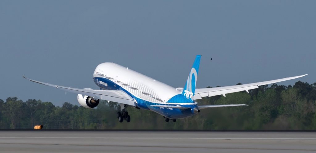 40 net orders in March: Boeing takes delivery of the Dreamliner again