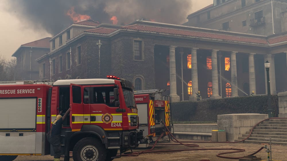 Great Cape Town fire: flames devastate Table Mountain areas