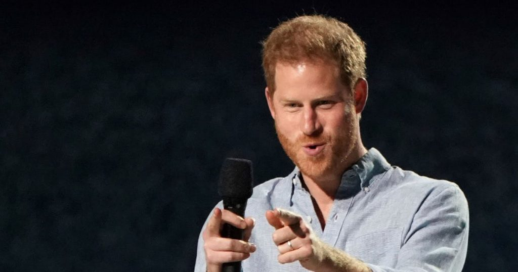 Criticism of Prince Charles, Harry flutters the ears