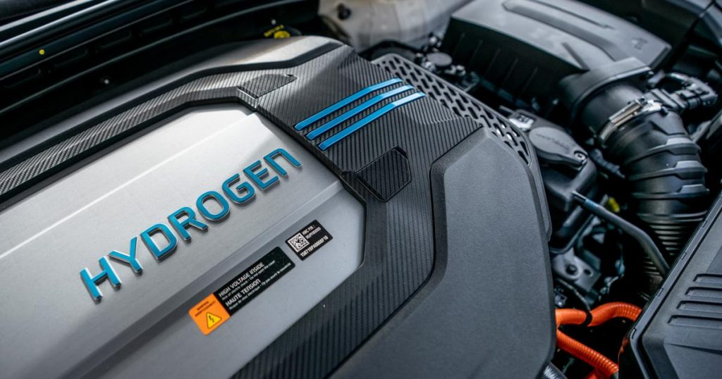 Researchers warn against using hydrogen as an automobile engine