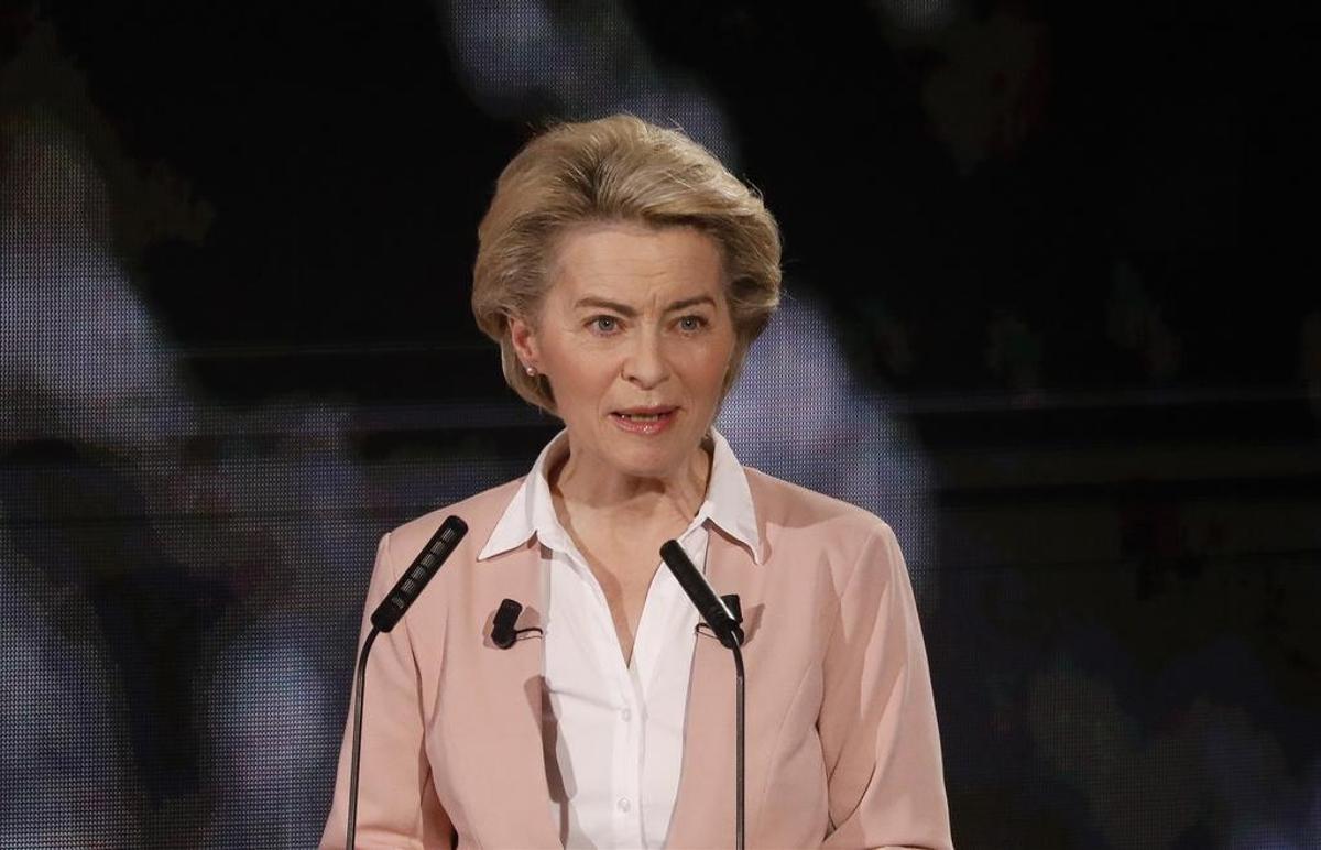 Also, Doctorate Degree: Ursula von der Leyen (CDU), President of the European Union Commission.