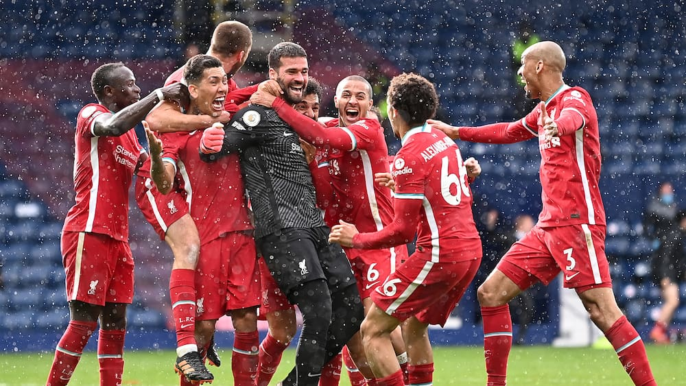 Premier League: Liverpool goalkeeper Alison scores in the 95th minute!