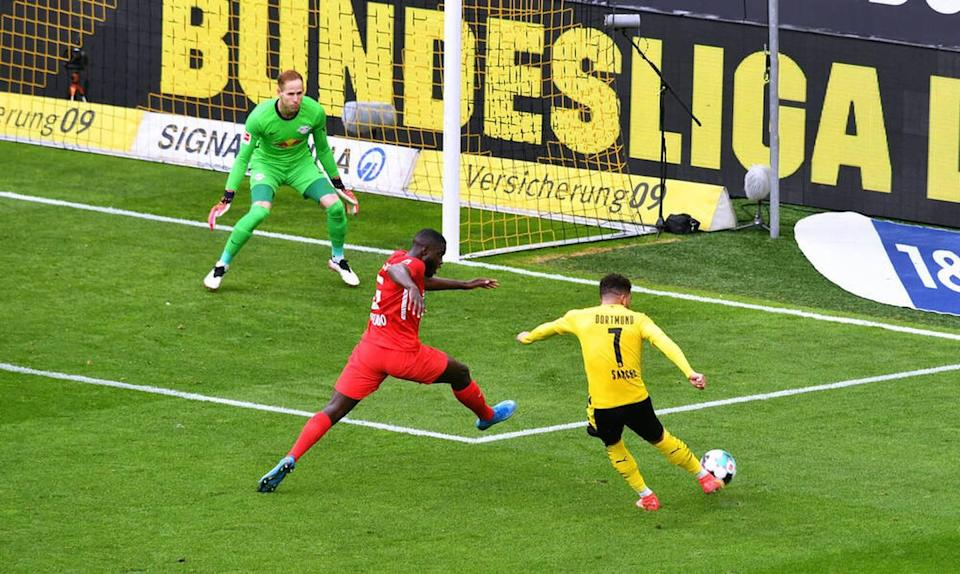 Sancho pays off to BVB for the UEFA Champions League center