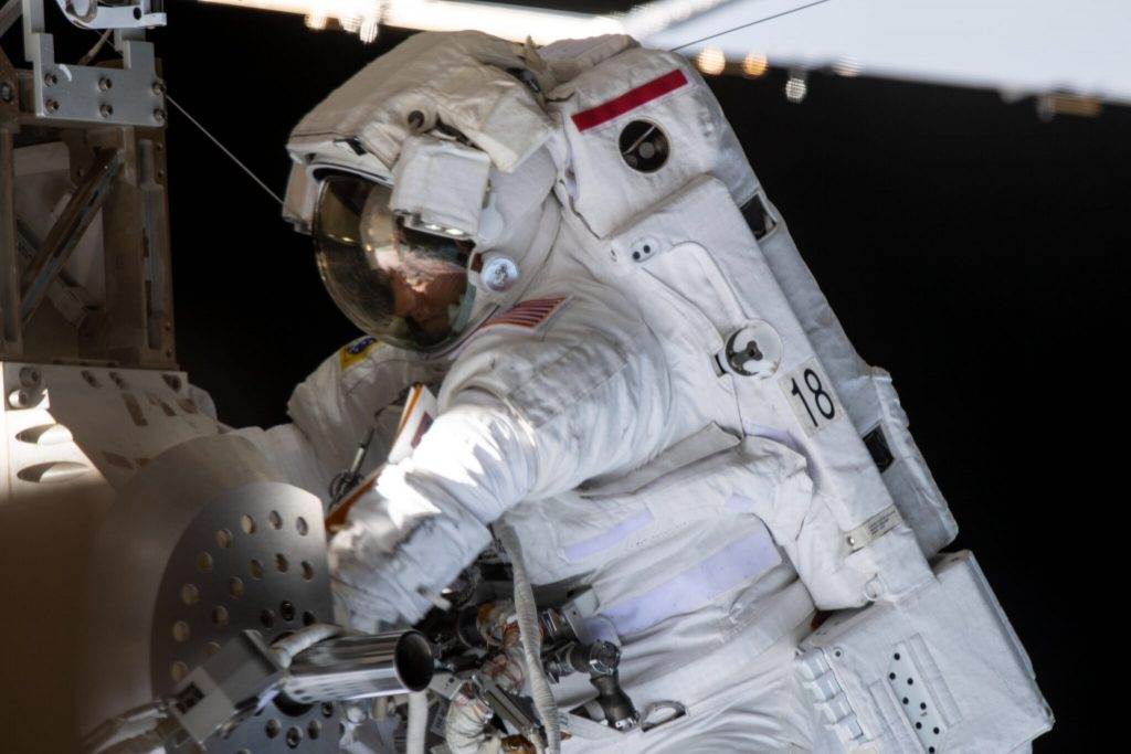 This is how you keep your underwear neat in space
