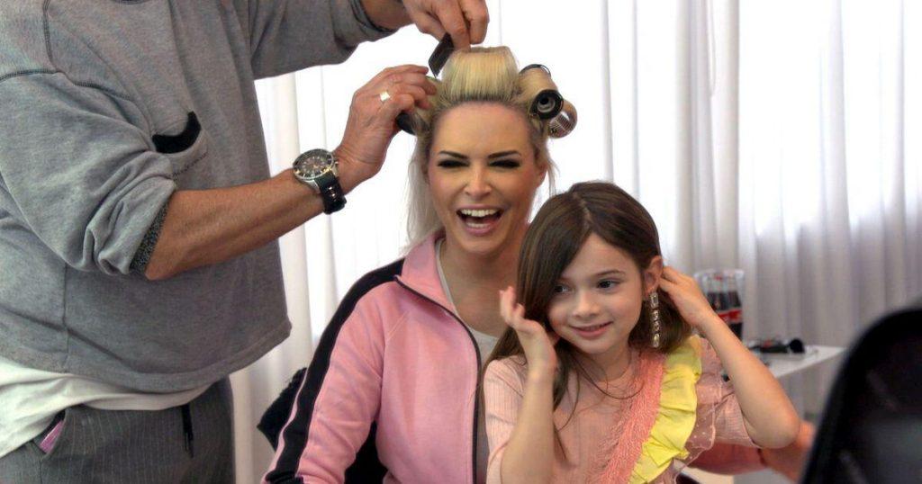 Daniela Katzenberger 'Don't Feel Blonde Anymore' - and does a short job