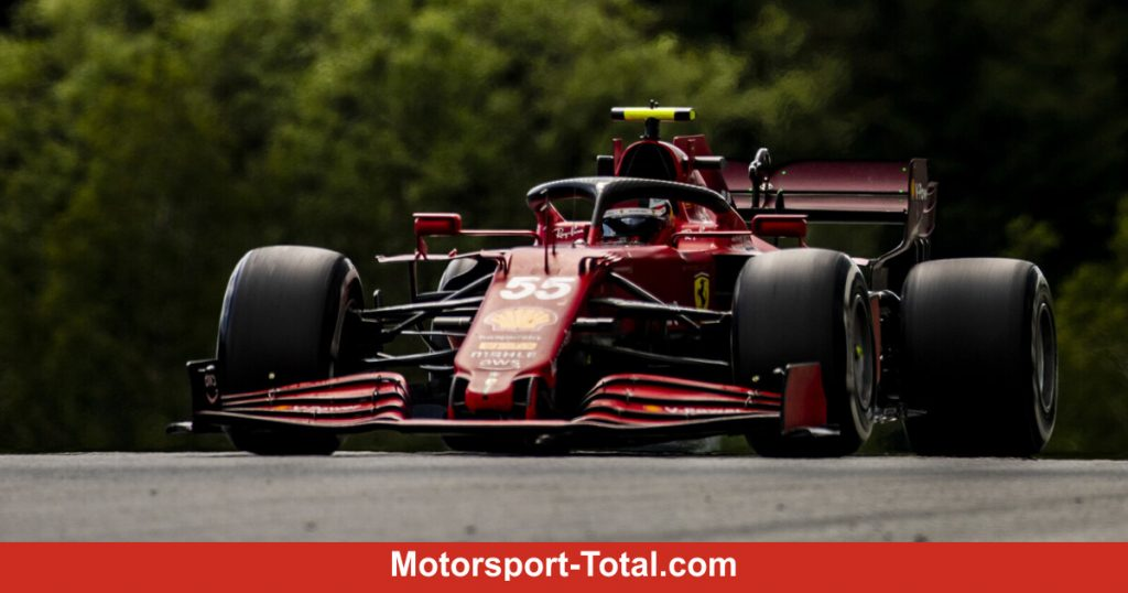 Hamilton costs Carlos Sainz a chance in fifth