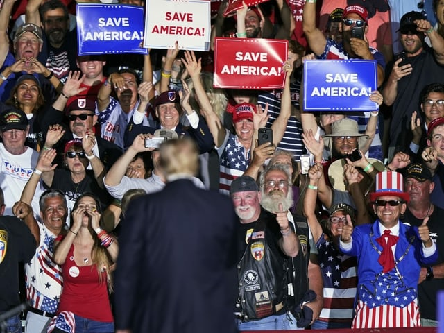 For the first time since leaving the White House, he held a mass rally in front of his fans.
