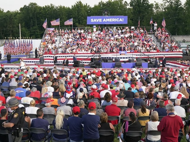About 5,000 Trump supporters came to Wellington, Ohio.