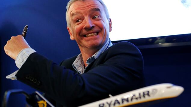 Boeing hands over to Ryanair: Low-cost airline takes delivery of its first Boeing 737 Max - Economy