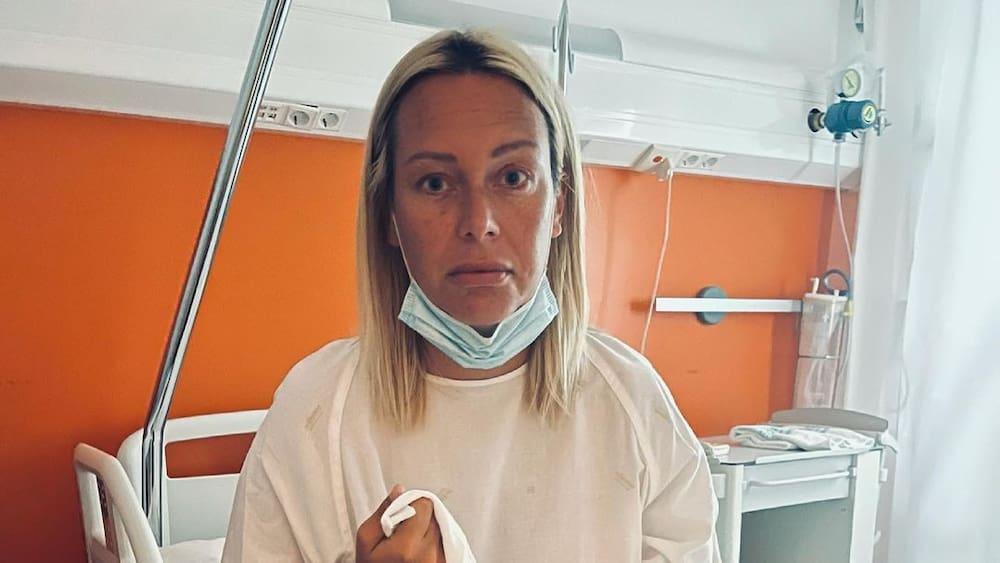 Julia Halls plans her wedding and funeral due to cervical cancer