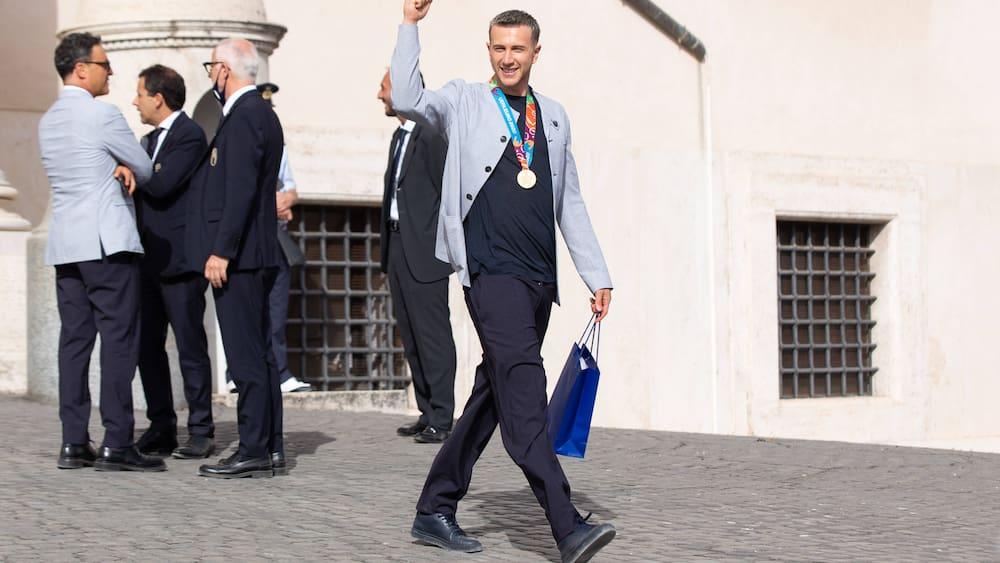 Federico Bernardeschi is late for his wedding