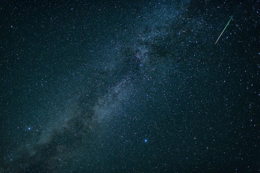 Skygazers hope many shooting stars from Perseid