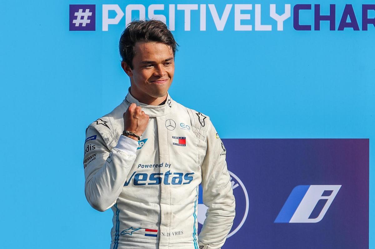 The winner of the 2020/21 season - and thus the first world champion in Formula E: Dutchman Nick de Vries.