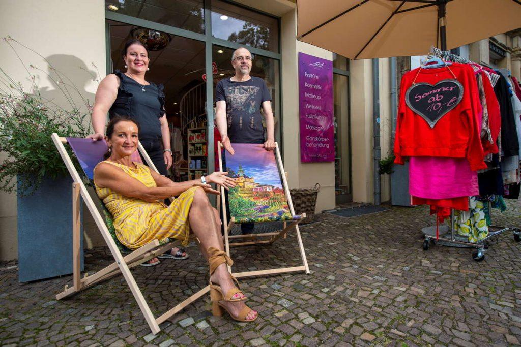 Radebeul: Please sit on Bahnhofstrasse