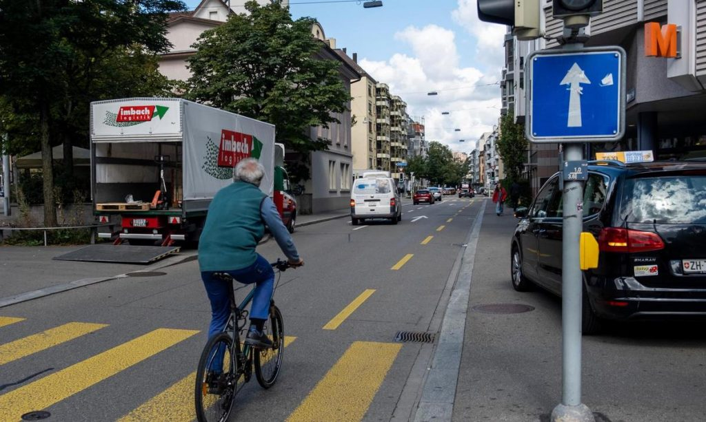 Reducing the path in Zurich Zone 3 - pedestrians and bicycles get more space