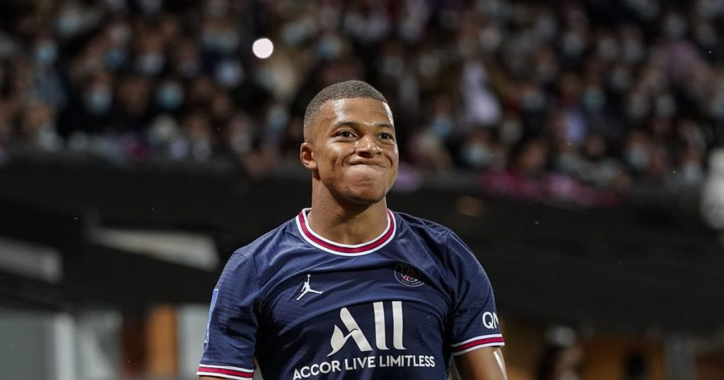 Does Mbappe change clubs after Messi and Ronaldo?