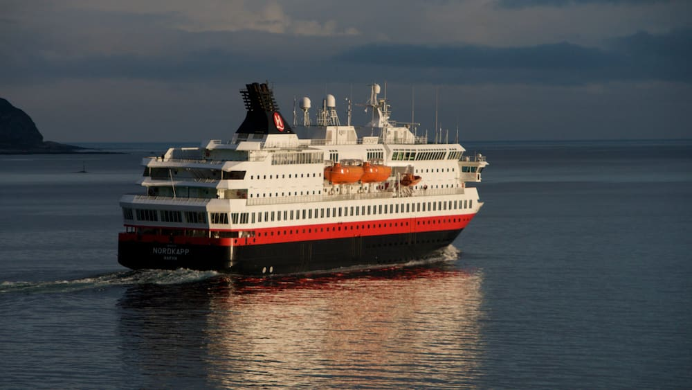 Engine failure: Norwegian ferry in distress