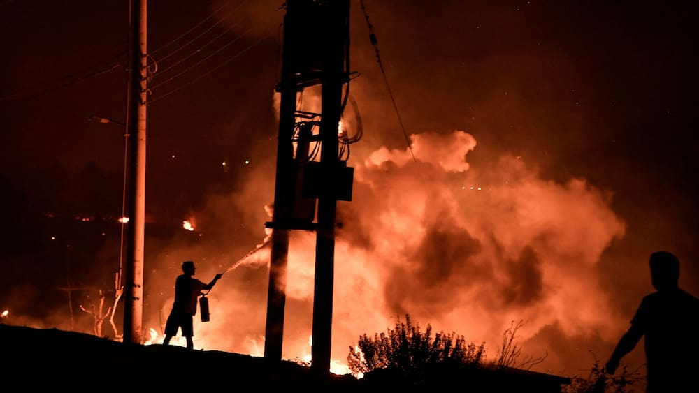 Greece turns into a hell of fire - the Swiss are in the thick of it
