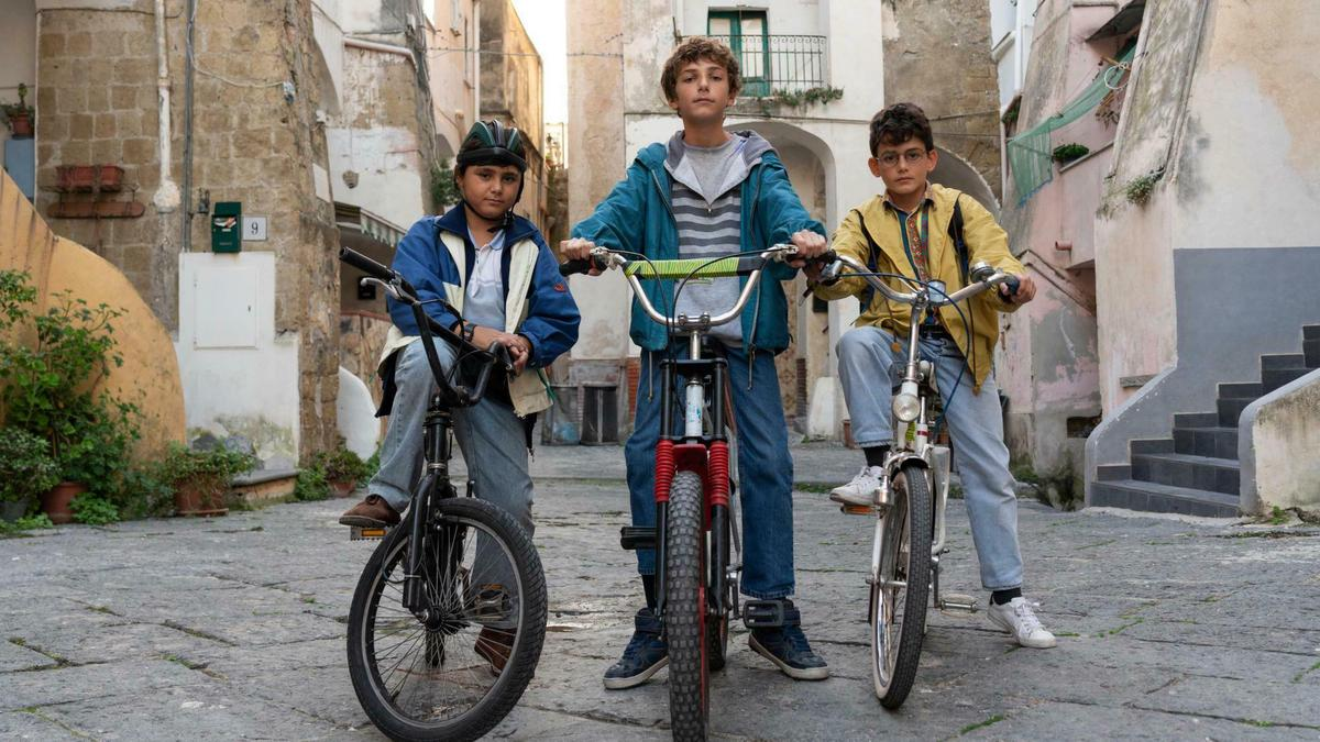 Three boys from Naples about to grow up: Netflix series