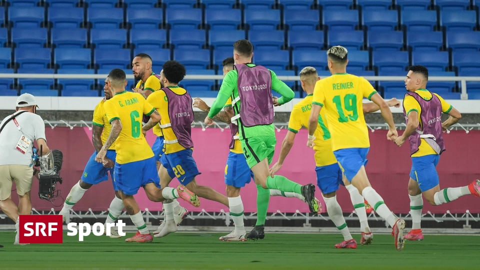 Team sports in Tokyo - Olympic soccer champion Brazil - France celebrates too - Sports