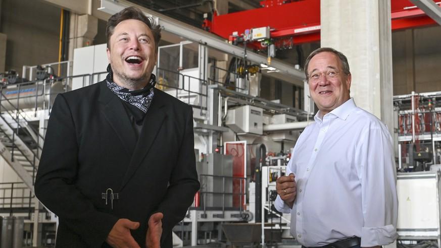 When Armin Laschet meets Elon Musk, the Internet laughs