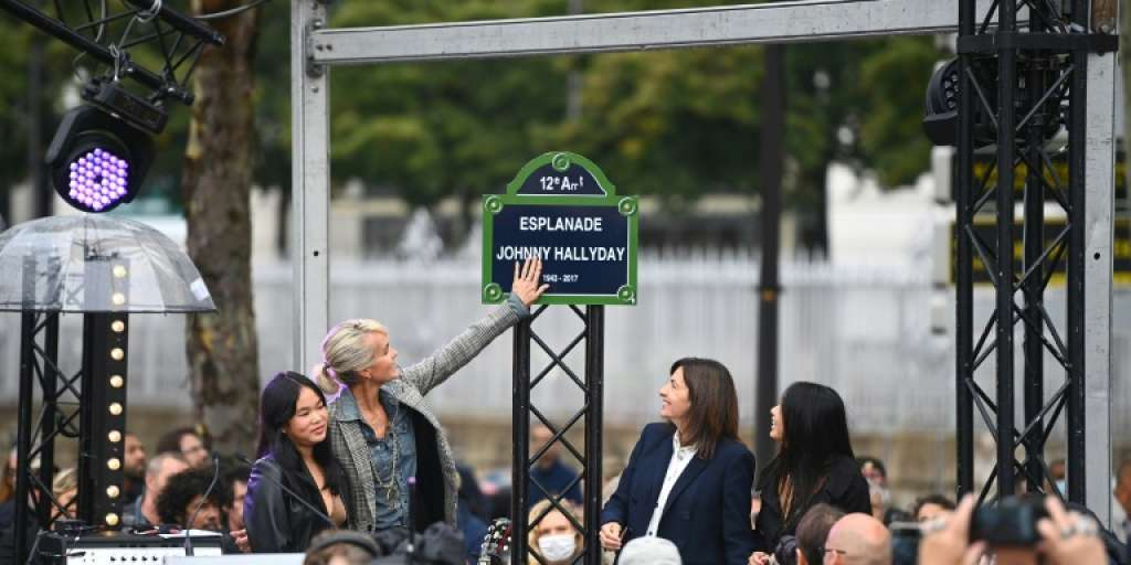 Rock icon Johnny Hallyday gets a seat and a statue in Paris