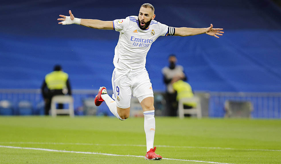 200 goals!  Benzema is the 10th among the all-time leading scorers in the Spanish League