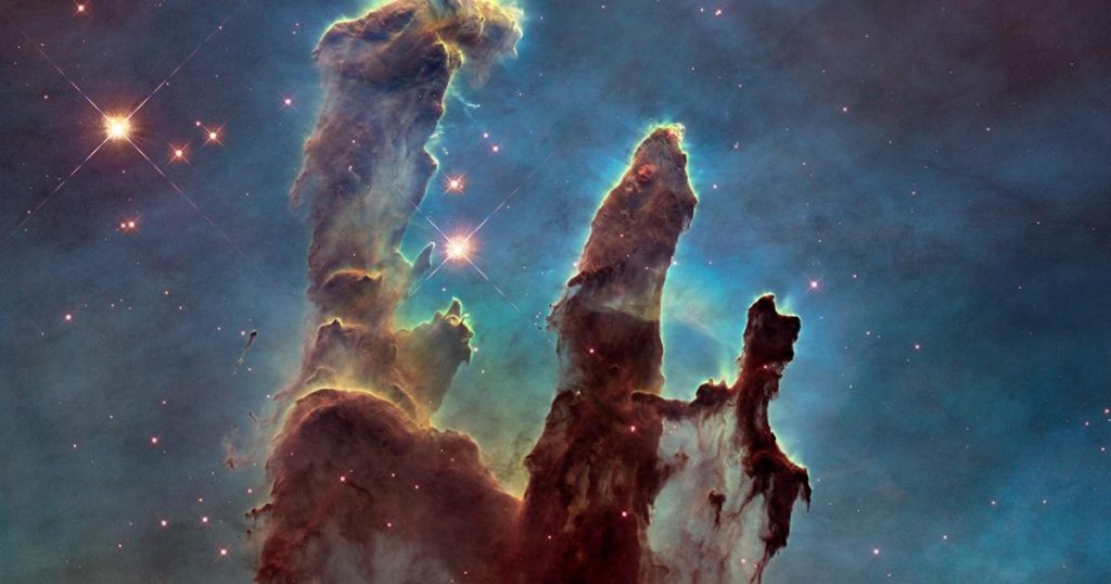 Hubble or an amateur photographer - who takes better pictures?