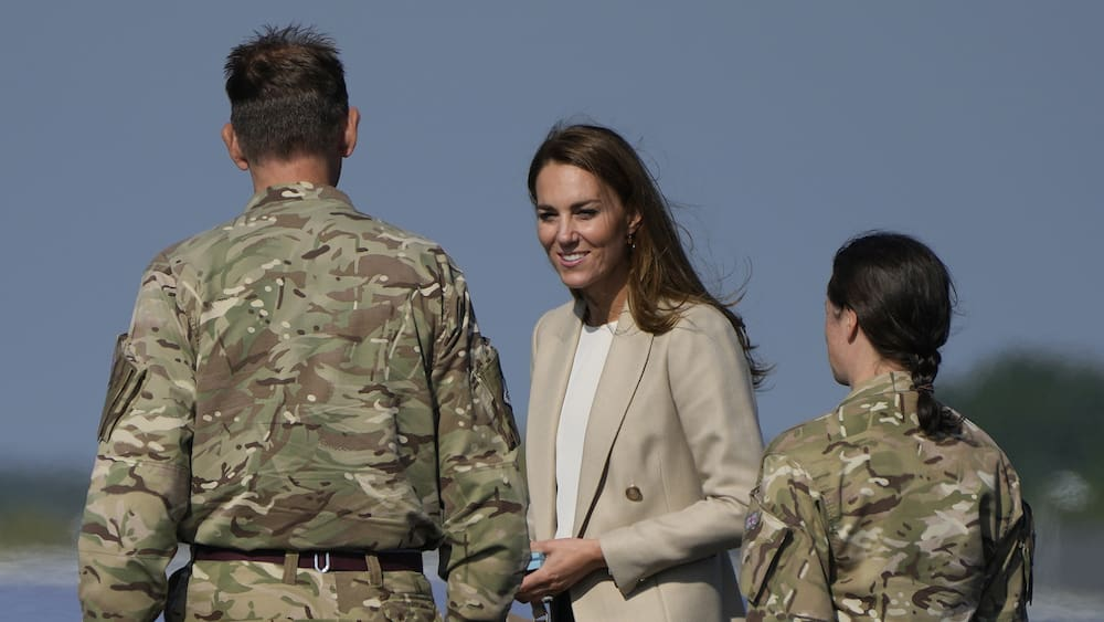 Duchess Kate honors Afghan heroes