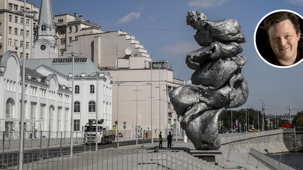 Moscow Argues Over Urs Fischer Sculpture