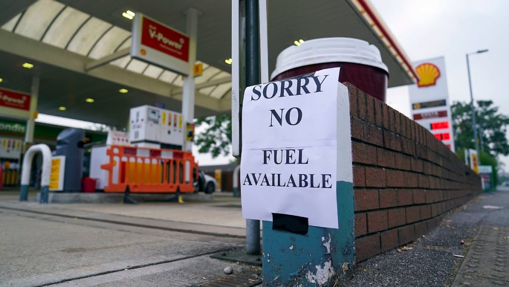 Panic buying petrol and diesel: Britons at gas stations run out