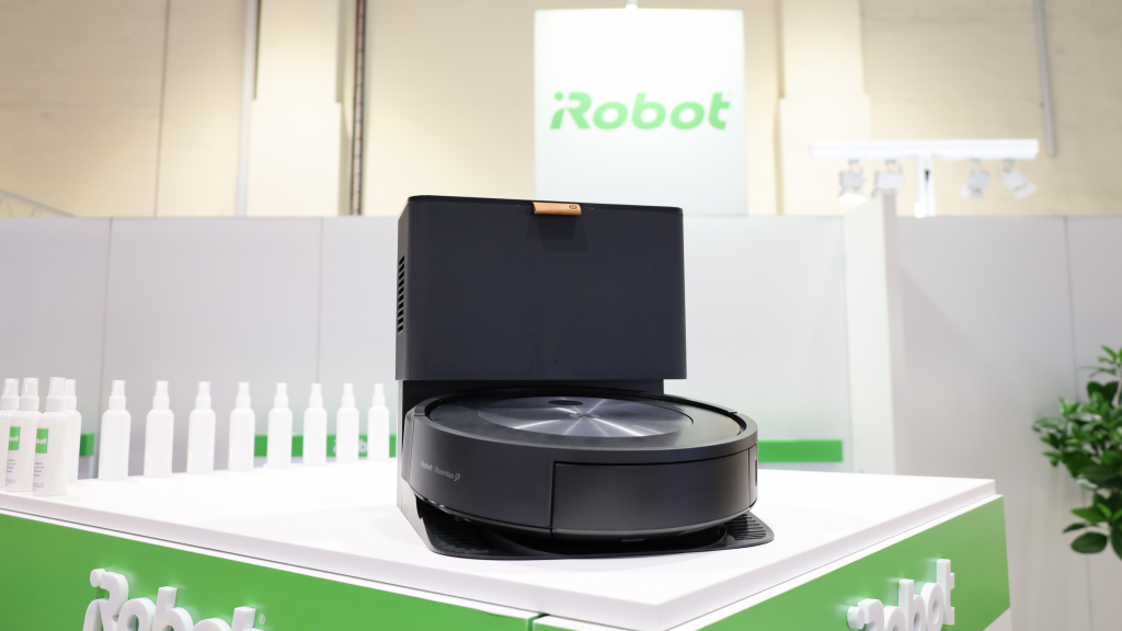 The new Roomba sends photos to users